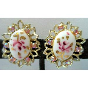 vintage white pink rhinestone flower clip earrings